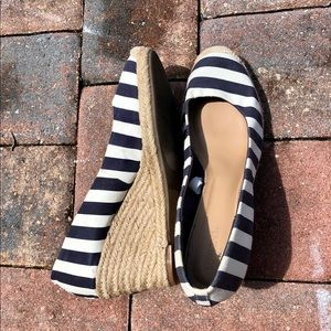 Striped wedge